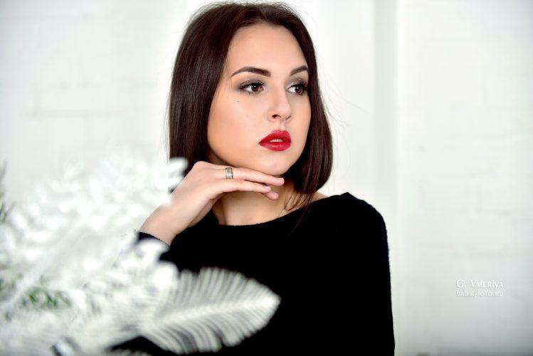 фотосессия, красивая девушка, профессиональная фотосессия, красивая фотосессия, красные губы, брюнетка, фотосессии в студии, портрет, женский портрет